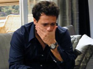 Fabiano, personagem de Danton Mello, um pai superprotetor que proibiu a filha de namorar (Foto: Malhação / Tv Globo)