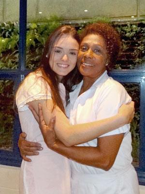 Em cena, o mesmo carinho de sempre (Foto: Cheias de Charme / TV Globo)