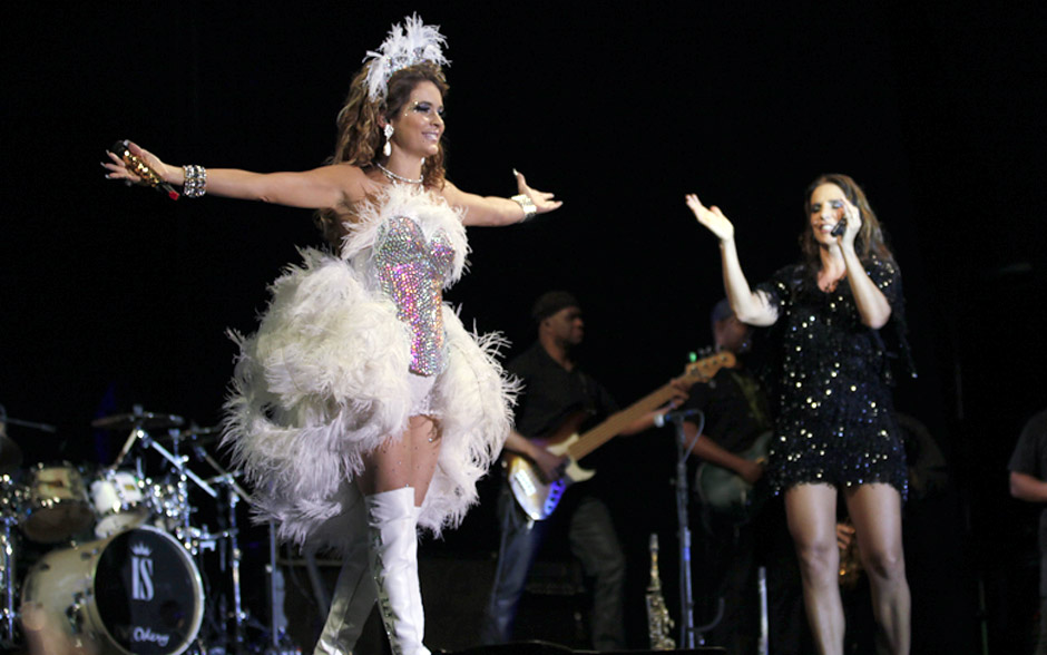 Aplausos! Chayene sobe no palco e ganha as palmas de Ivete Sangalo