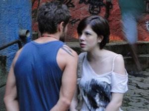 A garota dá um fora em Moisés e vai embora (Foto: Malhação / Tv Globo)