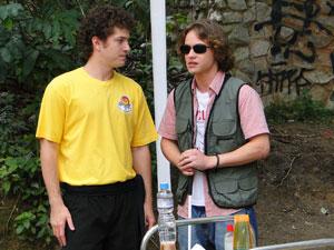 Filipe chega ao set e conversa com Gabriel (Foto: Malhação / Tv Globo)