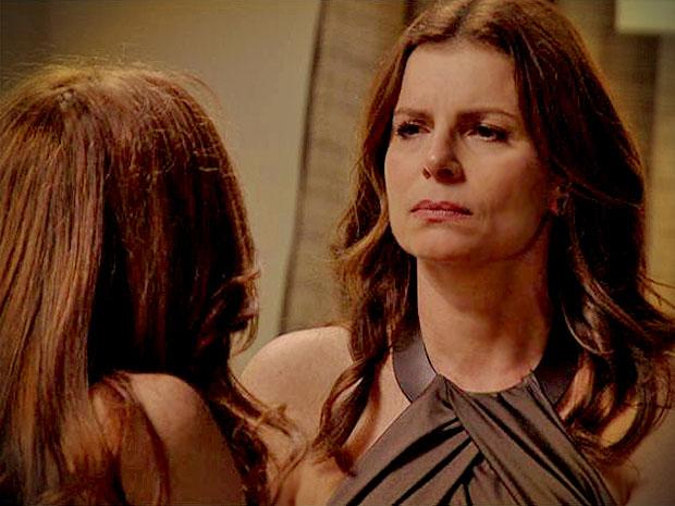 Noêmia promete para Verônica que elas vão acabar com Alexia (Foto: Avenida Brasil/ TV Globo)