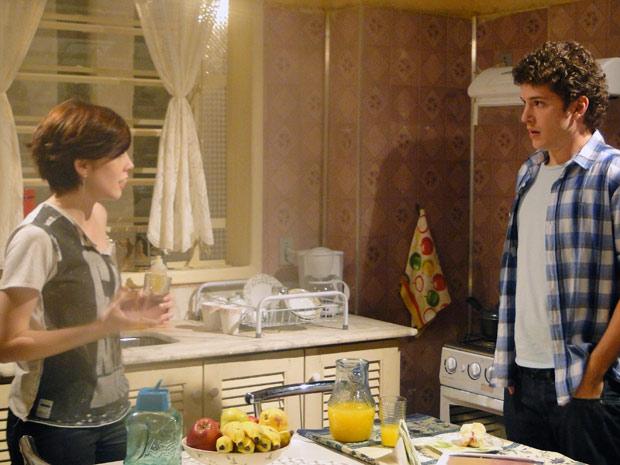 Gabriel diz que vai mudar de tática com Cristal pela segurança do filho (Foto: Malhação / Tv Globo)