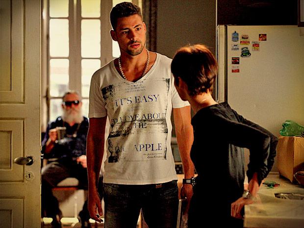 Jorginho fica cada vez mais decepcionado com Nina (Foto: Avenida Brasil/ TV Globo)
