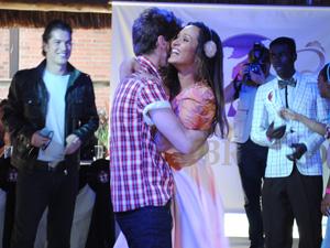 Kiko e Timtim são os vencedores da disputa (Foto: Malhação / TV Globo)
