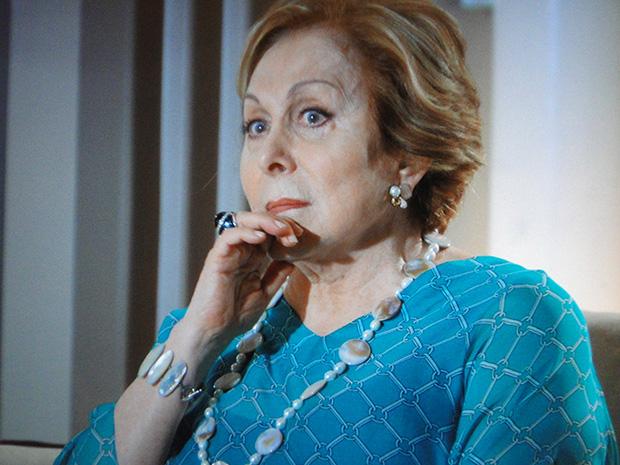 Máslova percebe que seu plano não deu certo (Foto: Cheias de Charme/TV Globo)