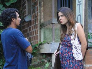 Cristal fica supresa ao saber que Gabriel foi poupado (Foto: Malhação / Tv Globo)
