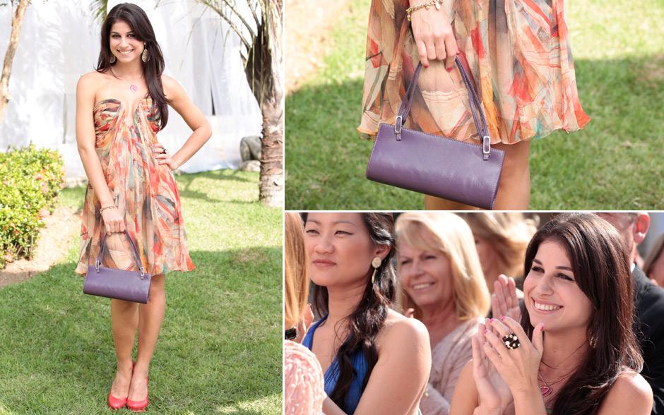 Brunessa também mandou bem no look! O vestido leve e estampado combinou direitinho com a bolsa berinjela e os acessórios cheios de personalidade da periguete