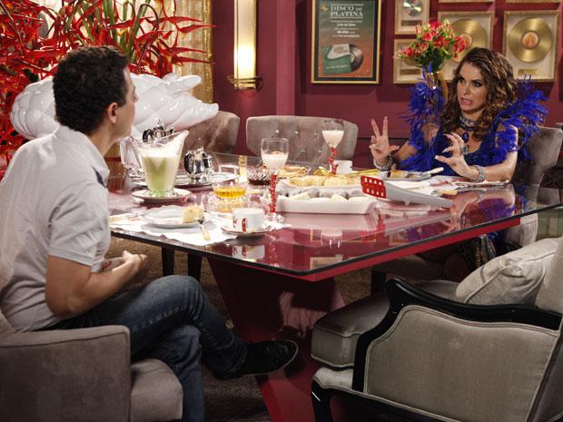 Cuidado, Empreguetes! Chayene mostra suas garras em entrevista a Gentil