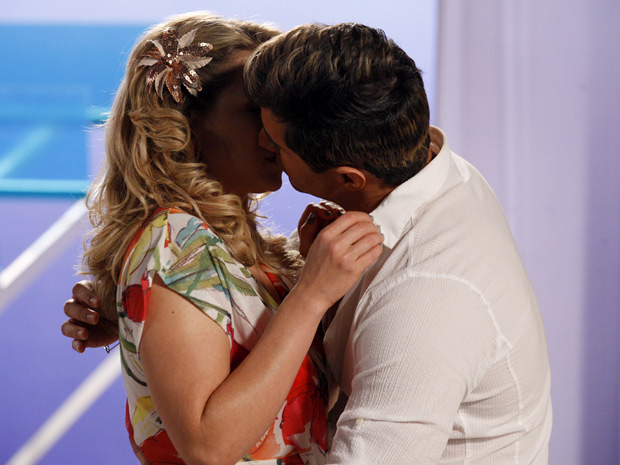 ... Rosário... só que vestido de Fabian! Cheias de Charme / TV Globo