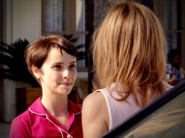 ... sua felicidade ao ver Carminha indo embora Avenida Brasil / TV Globo