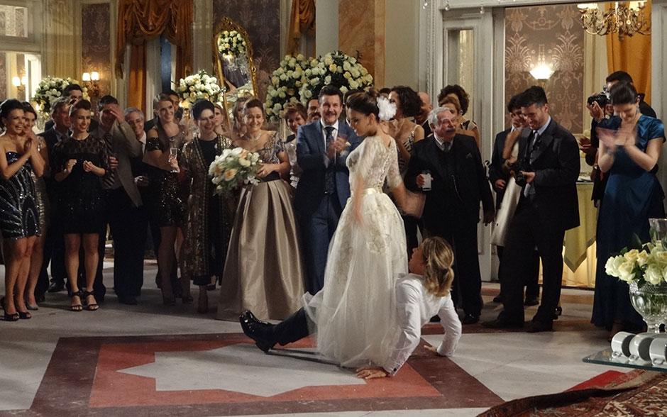 Os noivos surpreendem na hora da dança e fazem coreografia