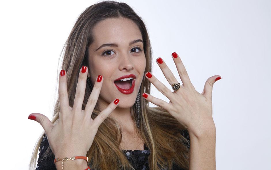 ...e o vermelho com muito extra brilho! Detalhe pro anel de diamente desejo!
