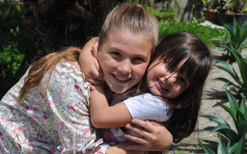 Olha que fofas! Gabriela Martins Rezende e Manuela Carrano ficaram amigas rapidinho!