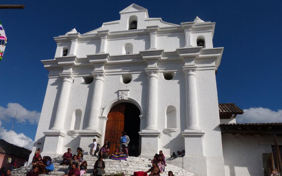 Igreja de Santo Tomaz é uma das atrações de Chichicastenango