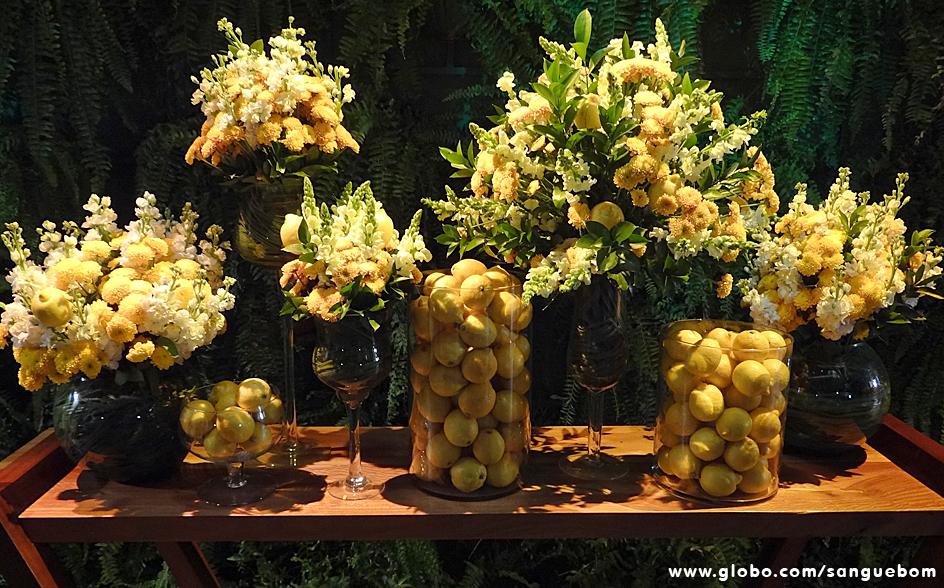 Moderna que só ela, Charlene investiu em tons amarelos na decoração. E não foram só flores, limões sicilianos também compuseram o ambiente