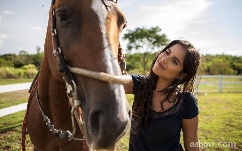 Ana, personagem de Camilla Camargo, será uma domadora de cavalos