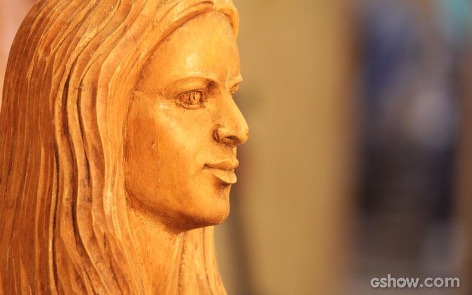 Claro que ela, a musa de Virgílio, não poderia faltar na exposição. O rosto de Helena é uma das obras do artesão