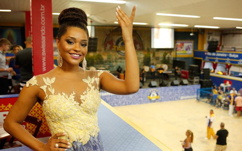 Pelo terceiro ano seguido, Juliana Alves será a rainha de bateria da Unidos da Tijuca