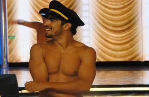 Caio Castro venceu a primeira temporada com striptease (Divulgação/TV Globo)