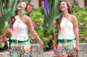 Lidiane Rodrigues ensaio roupas blocos carnaval (Foto: Domingão do Faustão / TV Globo)