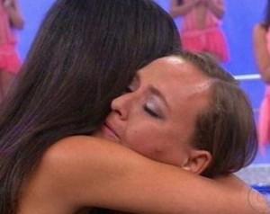 Mãe revelou para filha detalhes do verdadeiro pai (Foto: TV Globo)