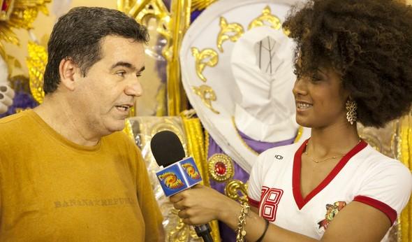 musa da porto da pedra entrevista carnavalesco (Foto: caldeirão/tv globo)
