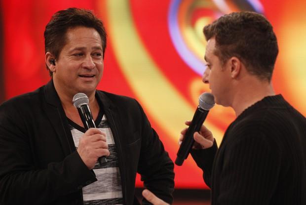 Leonardo e Huck (Foto: Caldeirão do Huck/ TV Globo)