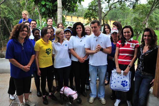 Luciano Huck promove adoção de animais abandonados e maltratados (Foto: Caldeirão do Huck/ TV Globo)