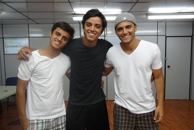 Rodrigo Simas e Bruno Gissoni ensaiam para LV dos Famosos (Foto: Caldeirão/TV Globo)