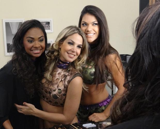 Bailarinas do Domingão no camarim (Foto: Domingão do Faustão / TV Globo)