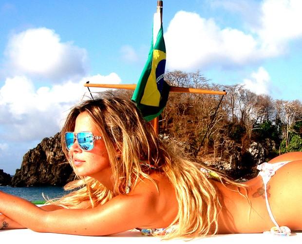 Robertha Portella em Fernando de Noronha (Foto: Domingão do Faustão / TV Globo)