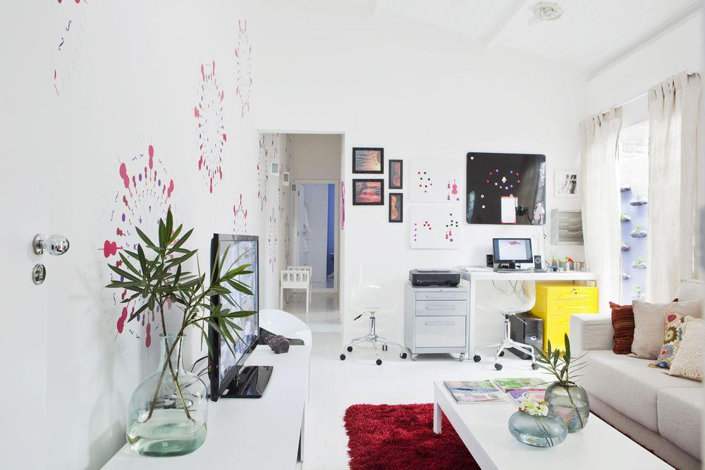 Tons de lilás predominam na decoração da nova casa das mulheres da família  -> Decoracao Banheiro Lilas