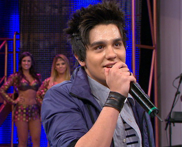 Luan Santana fala no palco do Domingão (Foto: Domingão do Faustão / TV Globo)