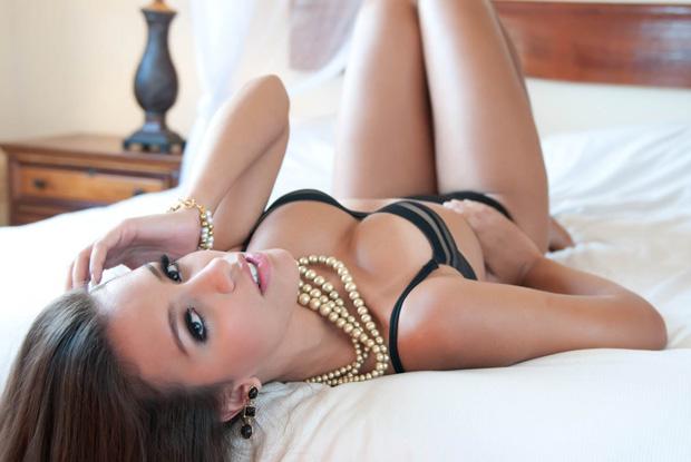 Geórgia Busgaib em foto exclusiva de seu ensaio sensual  (Foto: Anna Paula Pacheco )