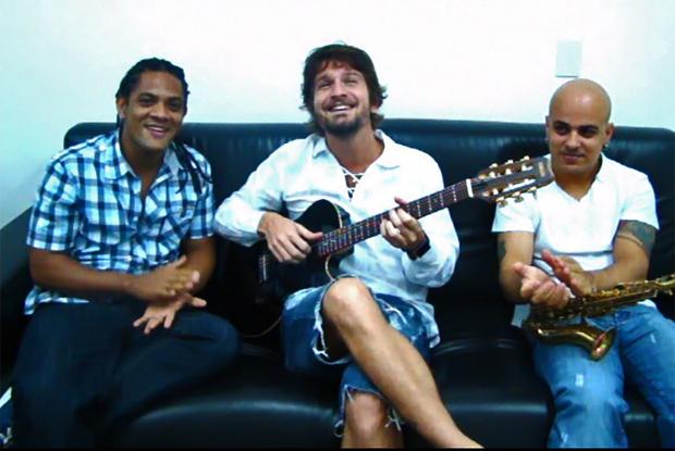 A Banda Eva escreveu uns versinhos para Santo Amaro e declarou sua torcida pela cidade (Foto: Domingão / TV Globo)