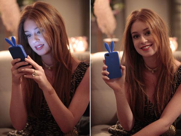 Marina Ruy Barbosa é uma das fãs das capas de coelhinhos. Com um modelo azul, a atriz, que interpreta Juliana em Amor Eterno Amor, mantém o seu celular protegido para ficar sempre conectada com os amigos e com os fãs