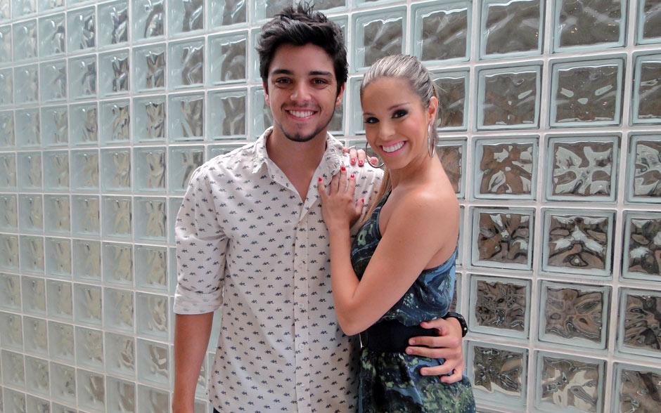 Rodrigo Simas vai dançar no palco do Encontro e trouxe a professora Raquel Guarini