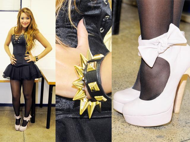 Vestido de espartilho, sapato de boneca, pulseiras de tachinhas e' spikes'. Karol Cândido afirma: vale tudo para surpreender no palco!
