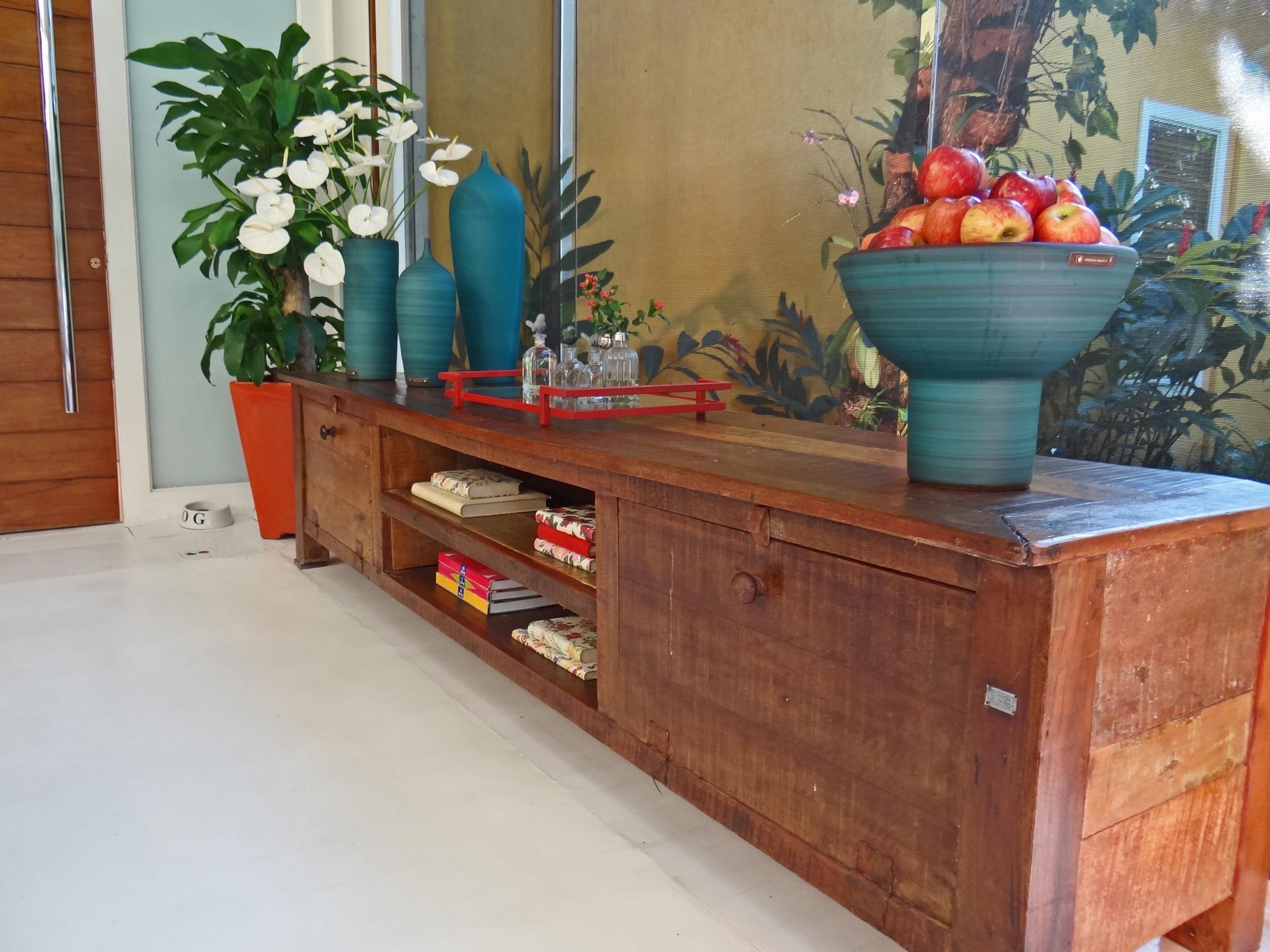 próximo da mesa de café da manhã essa bancada de madeira de  #965435 2592x1944