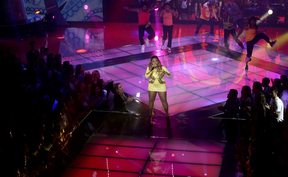 """Representando o time de Carlinhos Brown, Ludmillah Anjos cantou """"Soul de Verão"""""""