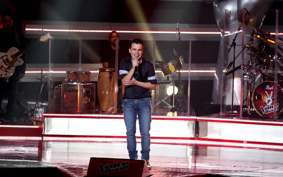 """Na primeira apresentação, Danilo Dyba cantou """"Inventor dos amores"""" de Gusttavo Lima"""