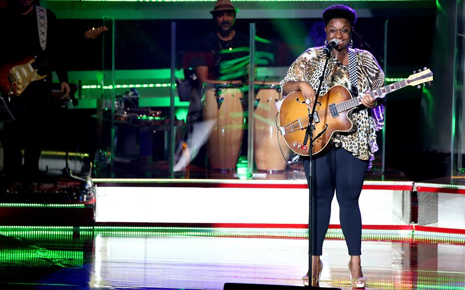 """Em sua primeira aparição no palco do The Voice Brasil, Ellen Oléria encantou todos com sua interpretação de  """"Zumbi"""", de Jorge Ben Jor"""