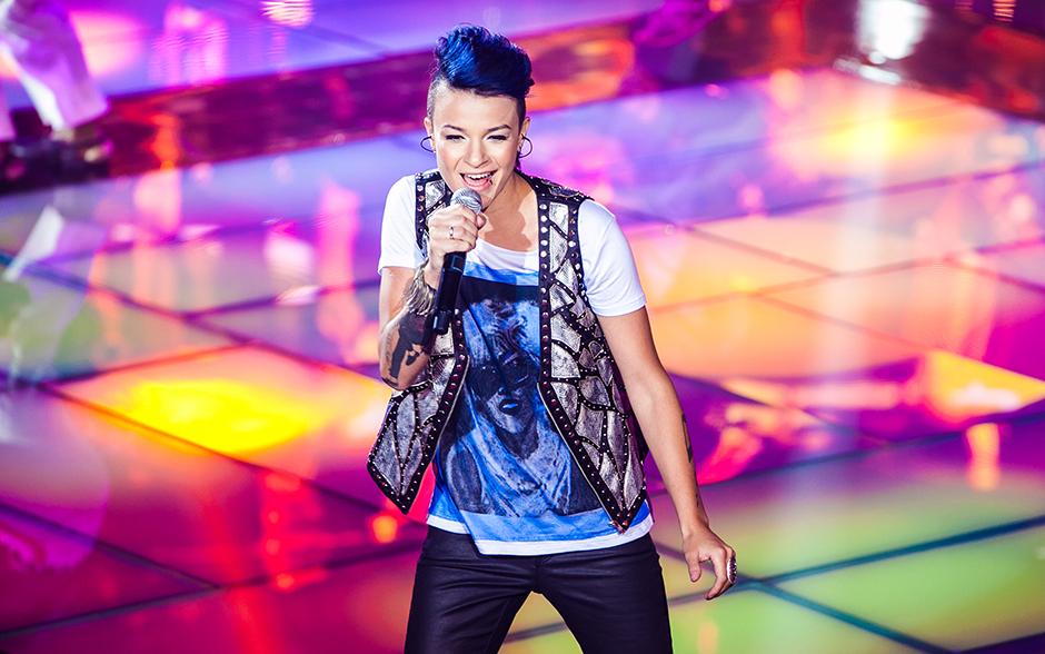 Maria Christina abriu as apresentações da grande final do The Voice Brasil
