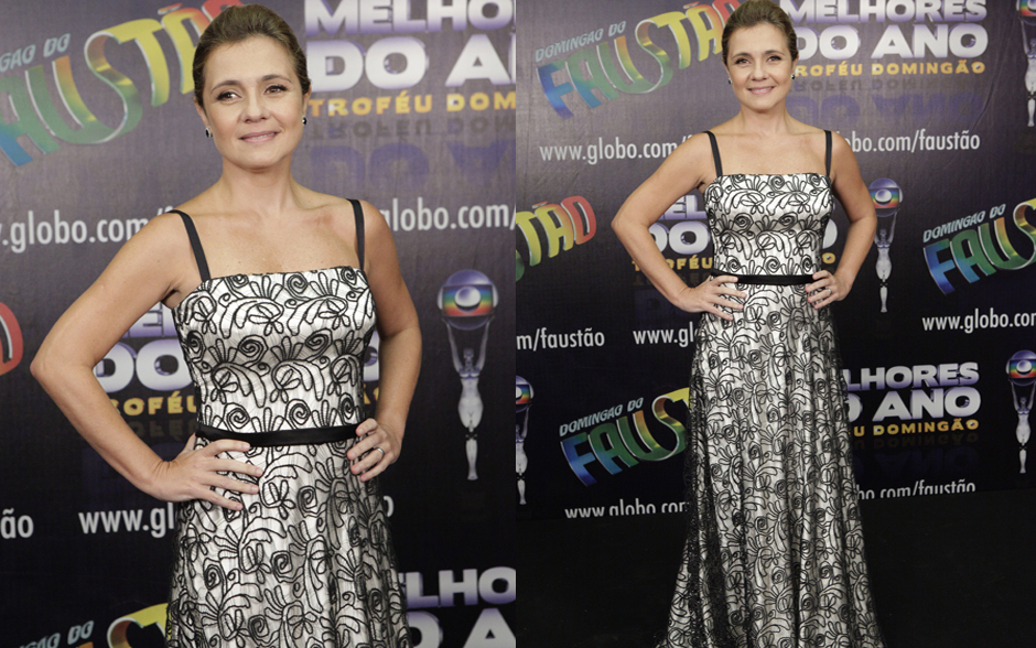 Adriana Esteves está linda no vestido preto e branco com estampa florida
