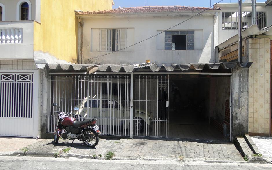 A fachada da casa do 'Motoboy abandonado' não era expressiva. Muito pelo contrário...