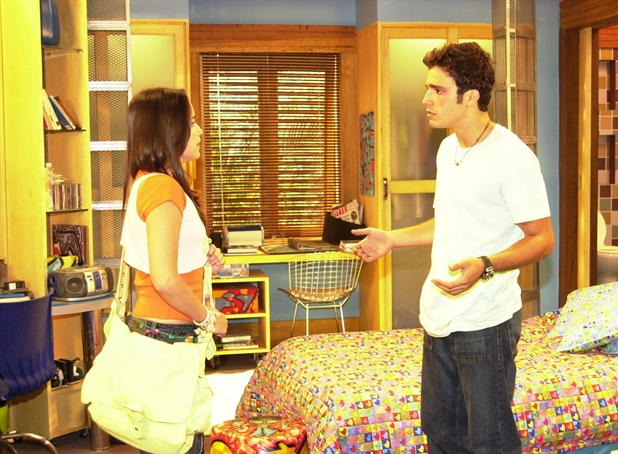 Fernanda Vasconcellos começou a carreira de atriz interpretando a adolescente Bettina, na décima segunda temporada da novela teen