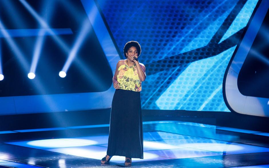 Alessandra Crispin canta 'A Ordem é Samba' em sua Audição no The Voice Brasil