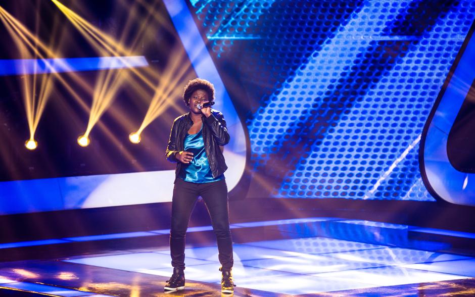 Nene Oliveira sobe ao palco do The Voice Brasil no quinto dia de Audições