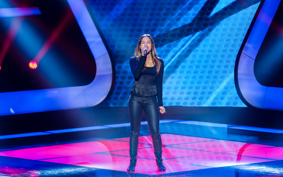 Gabriella Matos interpreta 'Whole Lotta Love', da banda Led Zeppelin
